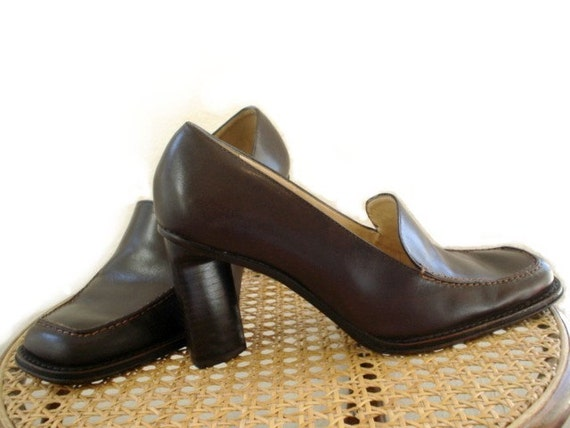 Vintage Brown Leather Pumps Shoes by Arturo Chiang Made in Brazil Size 6M