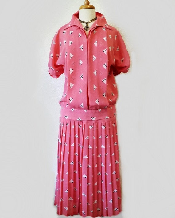 Pink Suit 2 piece blouse and skirt Vintage 1970s EVELYN-EVE Party  M/L