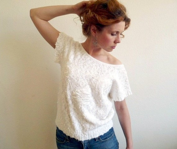 Vintage Blouse White 1980s Yarn Works Knit Top with Embroidered Floral Applique S