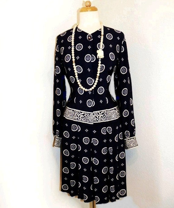 80s Blouse and Skirt Suit Liz Claiborne Hermes design Navy and White Party M