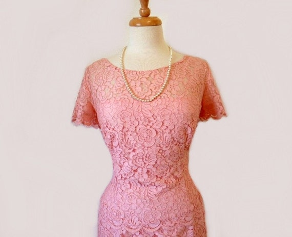 Royal 1950s Lace dress Pastel Pink, Tiered Cocktail Dress, Original Lilli Diamond of California Wiggle Dress