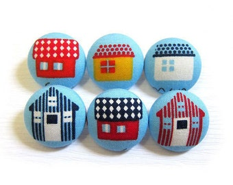 Sewing Buttons / Fabric Buttons - Houses Buttons - 6 Medium Buttons - Fabric Covered Buttons