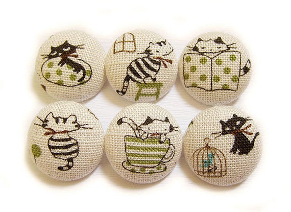 Cat Buttons Sewing Buttons / Fabric Buttons - Busy Cats - 6 Large Fabric Buttons Set