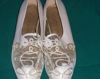 Vintage 90's Ann Marino White Pearlized Leather & Mesh Formal Summer Spring Wedding Shoes Size 6 Wedge Flats Never Worn