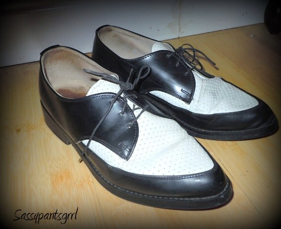Reserved for Keri VINTAGE Mens Black and White Leather Wingtips 1950s Rockabilly - Size 7 -- Rat Pack