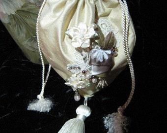 Vintage Floral Lace Applique Flowers Beaded Silk Handbag Purse