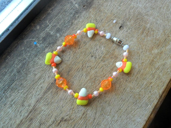 Candy corn bracelet, halloween bracelet, orange bracelet, polymer clay bracelet (1)