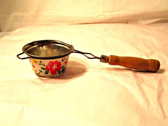 Vintage Kitchen Strainer Circa 1950s