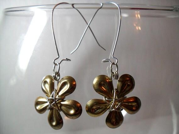 MOD earrings 'Flower Power', June 2012