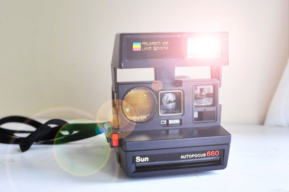 vintage polaroid 600 land camera sun autofocus 660. Black Bedroom Furniture Sets. Home Design Ideas