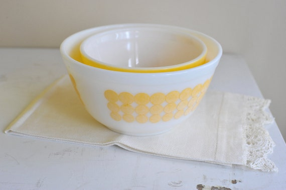 Two Bowls /// Yellow NEW DOTS // Polka Dot // and Solid Sunny Yellow Pyrex Mixing Nesting Bowls