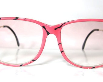 80's Vintage Funky Shocking Pink Panther Pattern Sunglasses