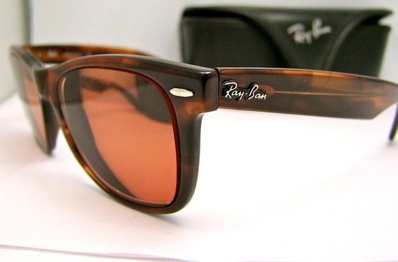 Wayfarer  Original's  by Bausch and Lomb  Tortoiseshell Italy,with case
