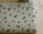 2 yards, Vintage Floral Green Garden Cotton, U1642