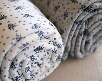 2 Yards of Lovely Blue Floral DAIMARU WIDE 150cm Cotton, U2262