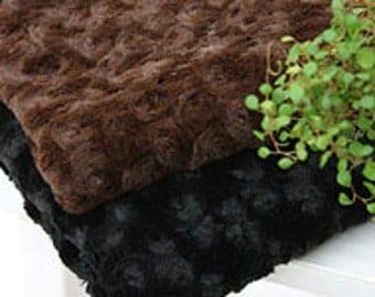 Roses Faux Fur Black WIDE 160cm, A Yard, U2965