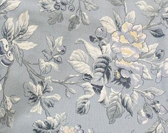 Bulgaria floral on Blue Oxford, U3048