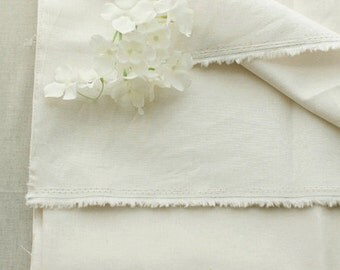 Warm White Ivory Linen blended Wide 140cm, U3205