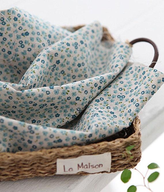 Lovely Petit Floral BLUE Linen blended , Fat Quarter, U2662