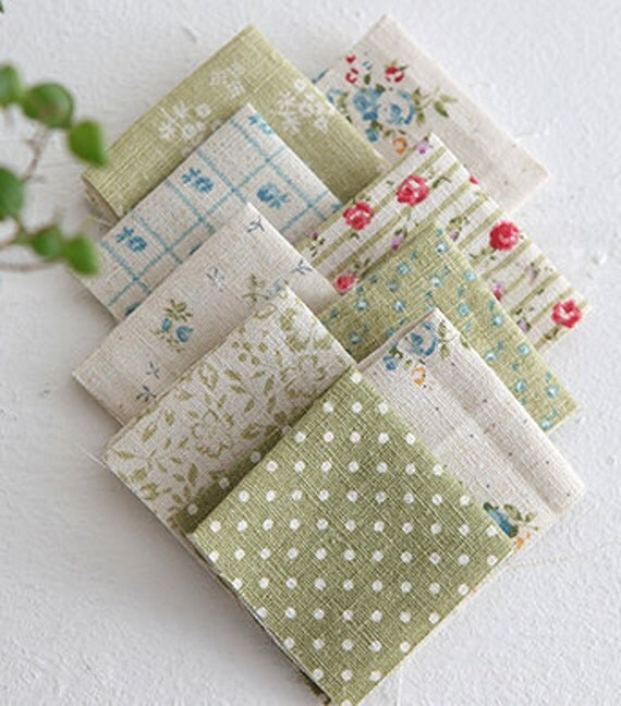 A Yard of lovely Patchwork style Linen in Green, U3196
