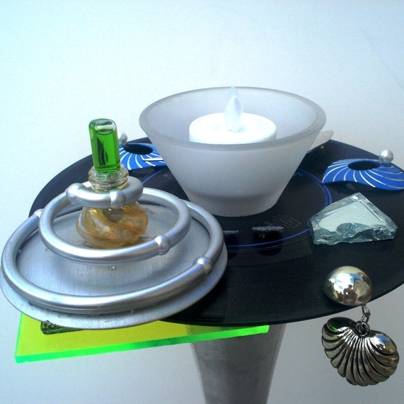 ROBERT PALMER, Addicted To Love 45 on CANDLESTICK w/Tealight, Blue, Black, Silver