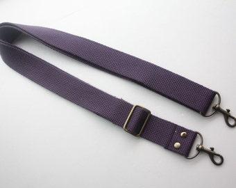 1 1/4 inch Detachable and adjustable shoulder strap  in Purple