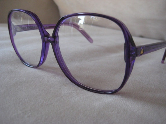 Liz Claiborne Butterfly style eyeglasses or sunglasses by ...