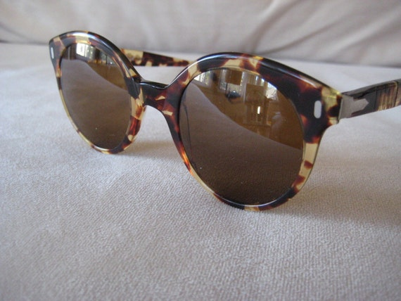 RESERVED for anitarosentreter--Persol Ratti Brilliant Windsor Style Tortoise Shell 1980's Sunglasses Classic look with metal detailing at the temples and arms comes with persol case