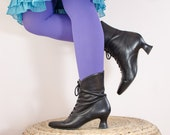 Vintage 1980s Black Ankle Boots - Victorian Style Leather with Heels - Size 7 1/2 US