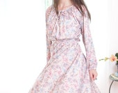 Vintage 1970s Dress - Pastel Peasant Dress with Flowers and Bows Print - M - XL