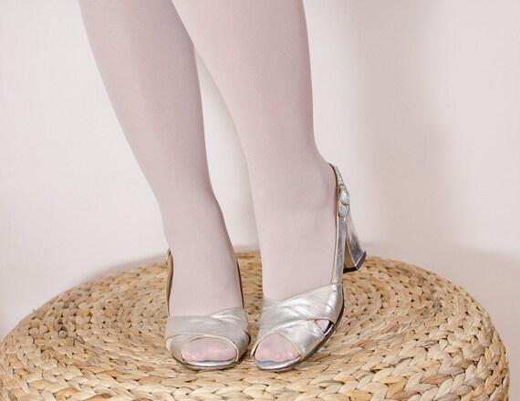 Silver Metallic Shoes - Vintage 1950s High Heels - 6 US