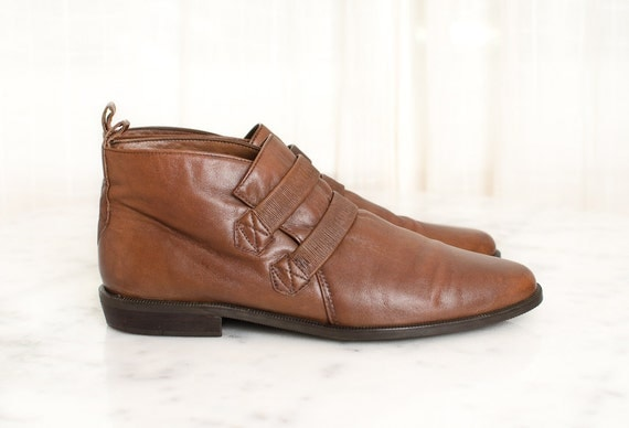 Reserved ---- Vintage Brown Leather Ankle Boots -  Enzo Angiolini Flat Pixie Boots - 7 / 7 . 5