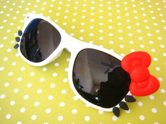 iCat Sunglasses With Black Lenses (White/Red)