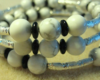 Memory Wire Bracelet, White Howlite, Black Agate, Bright Silver, One Size Fits Most