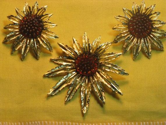 REDUCED - Sarah Coventry Starburst Brooch and Earrings (B-3-2)