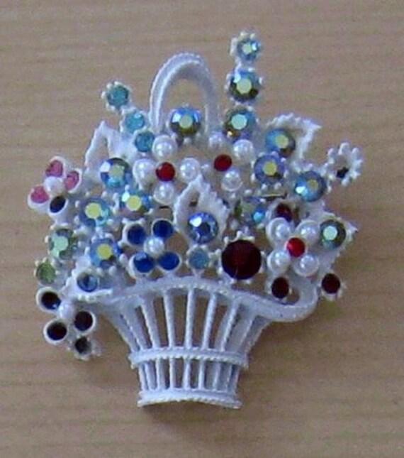 Vintage White Enameled Rhinestone Flower Basket Brooch (B-1-2)
