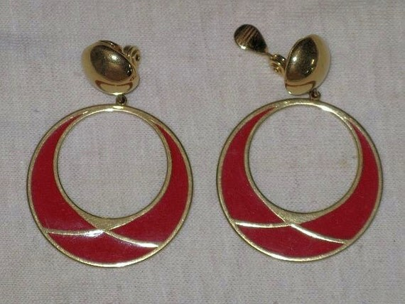 MONET Red Enamel and Gold Tone Earrings (E-1-5)