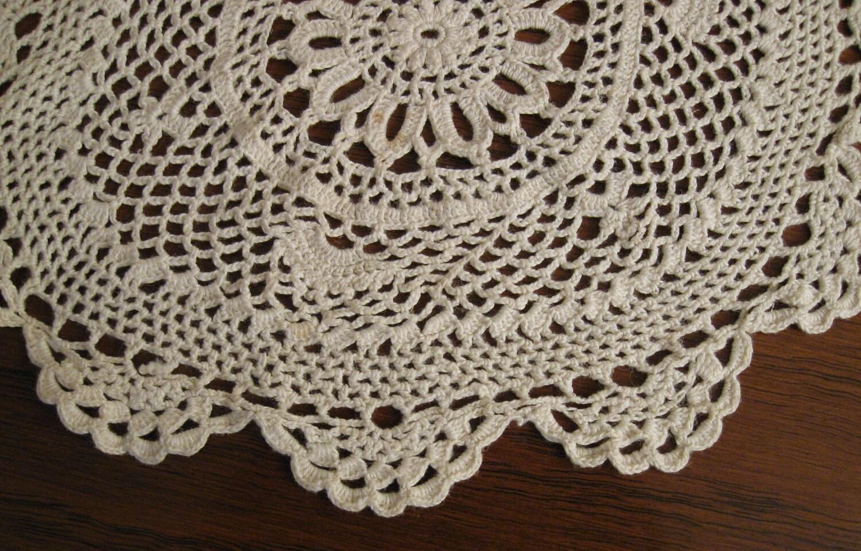 Doily vintage 1950s hand crochet home decor accessories - Crochet mural vintage ...