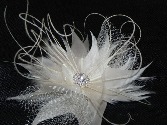Bridal headpiece, feather fascinator, ivory fascinator, bridal fascinator, hair clip