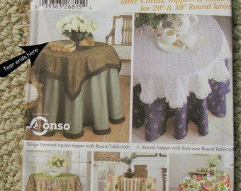 Simplicity 5467 Table Toppers, Covers and Runners Pattern