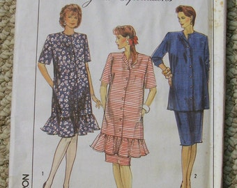 Simplicity 9030 Great Expectations Maternity dress and skirt Size 12