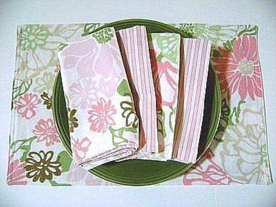 Pink And Green Floral Cloth Placemats And Napkins Set Of