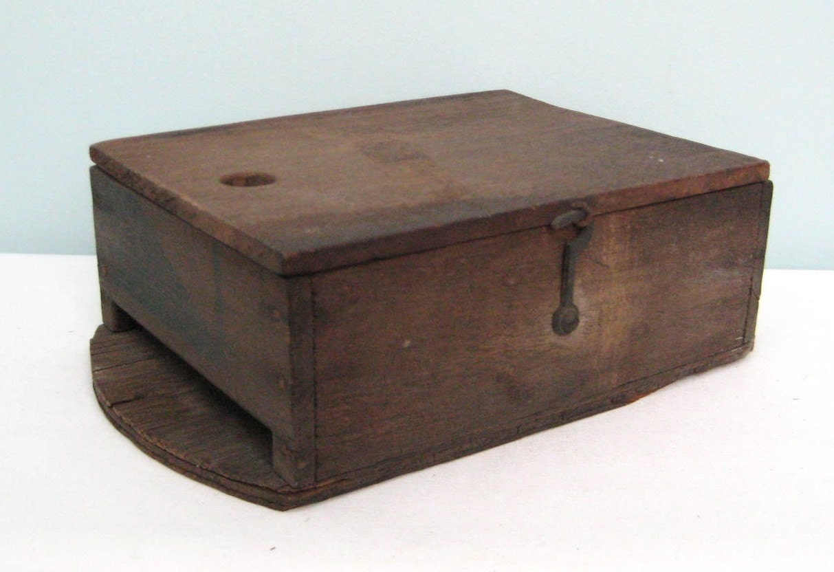 Vintage wooden box made from libbys fruit crate for Wooden fruit crates