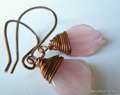 RUSTIC PETAL COUNTRY copper wire wrapped earrings in light pink iwth handmade copper eariwire