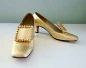 Moving SALE 30% Off Sparkling Gold Heels Vintage 1960s Glam Metallic Mod Pilgrim Loafers 7.5 7 1/2