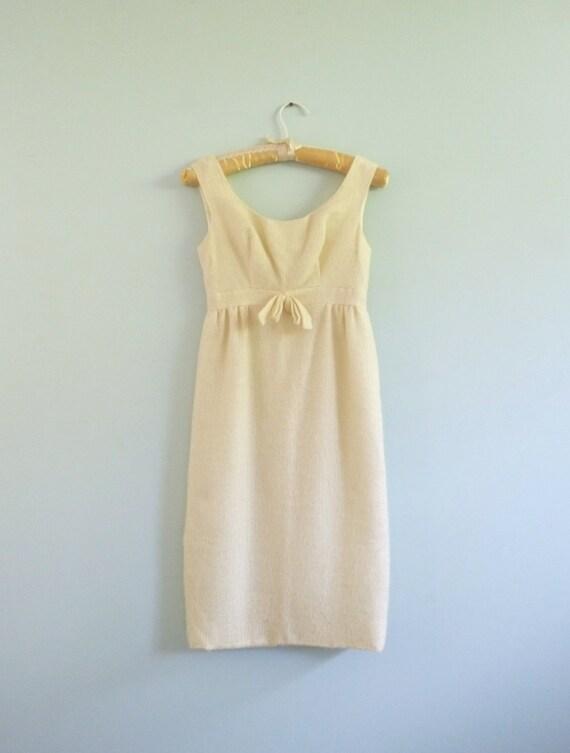 Butter Yellow Babydoll Dress Vintage 1960s Empire Waist Bow Shelf Bust Junior Set XXS XS