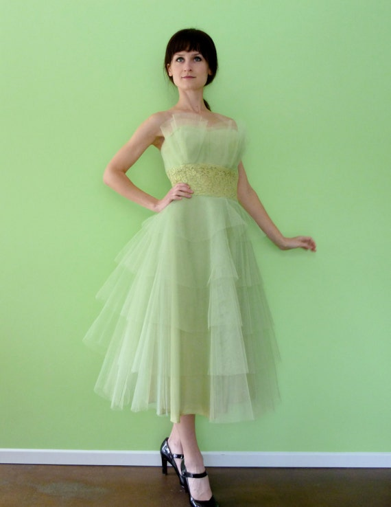 1950s Pale Mint Green Tulle Lace Vintage 50s Prom Party Dress Strapless Gown XS Extra Small