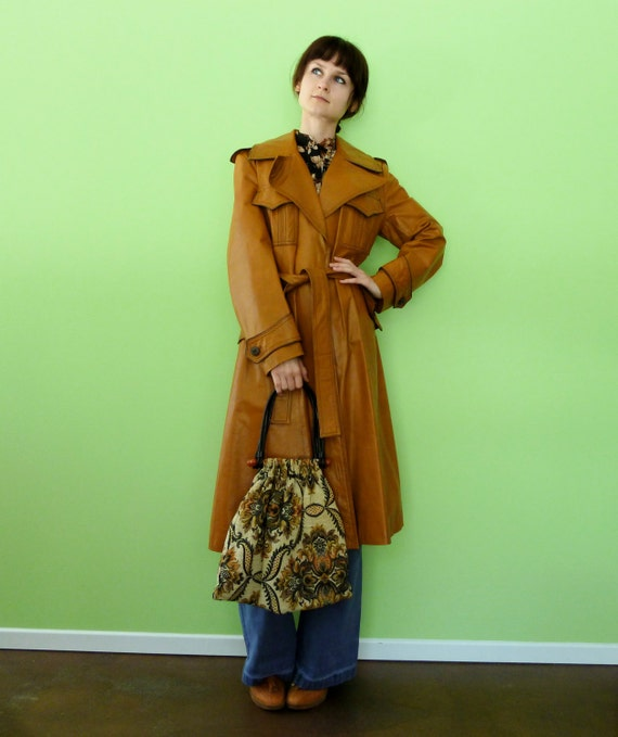 Moving SALE 30% Off Vintage 70s Long Leather Trench Coat Light Caramel Brown Retro 1970s Mod Spy Jacket Large