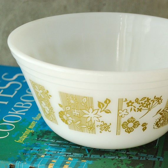 Vintage Federal Glass Mixing Bowl Glass Green White