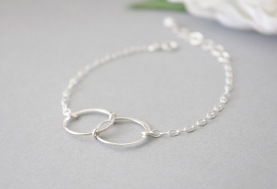 Infinity Bracelet, Karma Bracelet, Simple Modern Eternity Circle Bracelet, Sterling Silver Friendship Bracelet, Womens Gift, Birthday Gifts